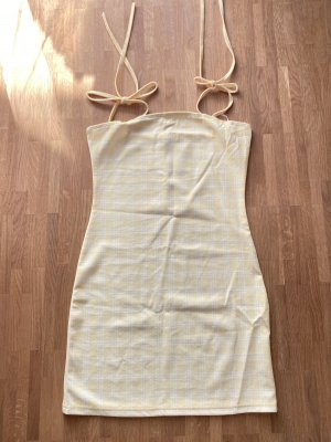 Gelbes Kleid