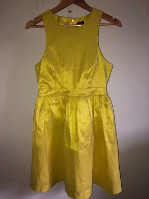 Bardot Vestido cut out amarillo neón