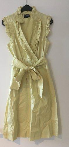 Gelbes Kleid von BCBG