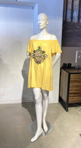 Gelbes Sommerkleid mit Cold-Shoulder