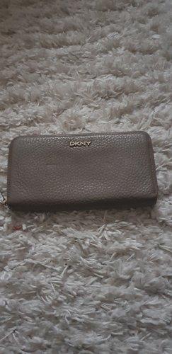 Geldbörse von DKNY ‼️Urlaub vom 20.06-19.07. ‼️