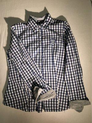 gemütliche trachtige Bluse