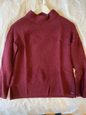 Gemütlicher Pullover in Dunkelrot