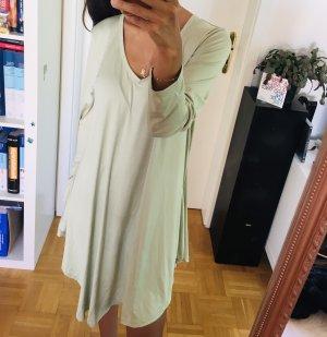 Robe de chambre vert pâle