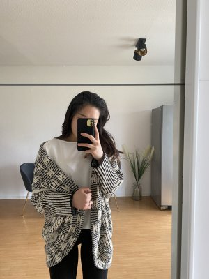 Atmosphere Crochet Cardigan black-white