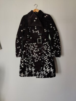 gemusterter Mantel