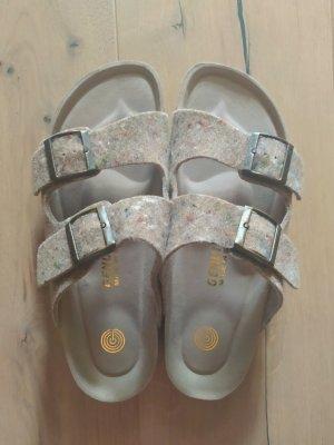 Genuins Comfortabele sandalen beige