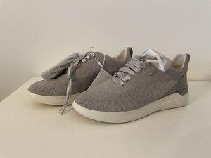 GEOX RESPIR Sneaker, Gr. 38, hellgrau, neu