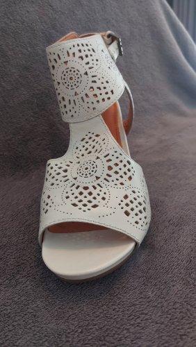 Geox Comfortabele sandalen licht beige
