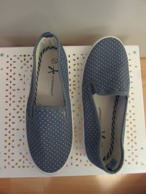 Atmosphere Slip-on Sneakers white-azure