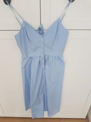 Gepunktetes Baumwollkleid mit Rückenausschnitt