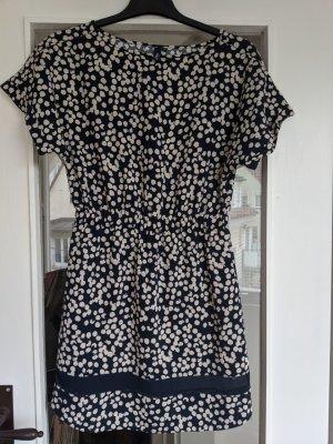 Gepunktetes zeitloses Kleid von S.Oliver