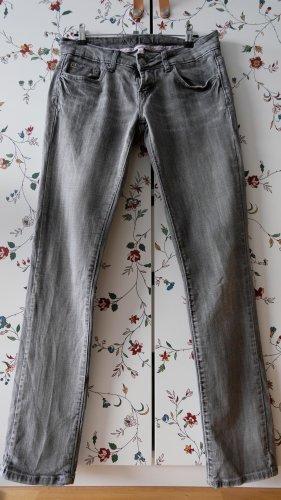 gerade geschnittene Jeans Amisu