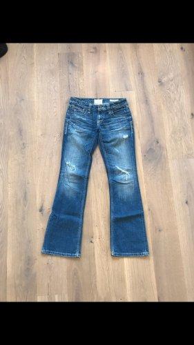 Gerade geschnittene Jeans von Tavernito So