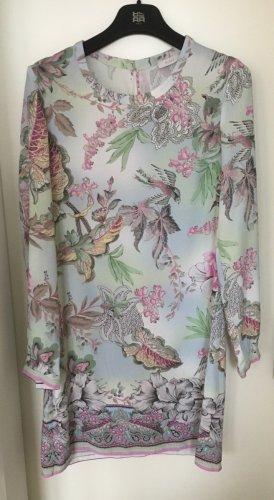 Gerade geschnittenes Kleid mit floralem Druck
