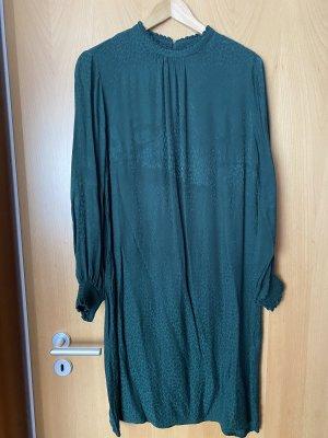 Gerade geschnittenes Kleid von Yessica