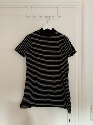 Geringeltes T-Shirtkleid