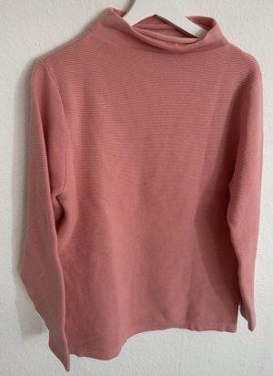 Gerippter Pullover mit Kaminkragen