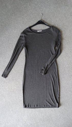 Geripptes Kleid Gr. M