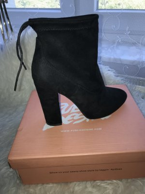 Geschnürte Ankle Boots