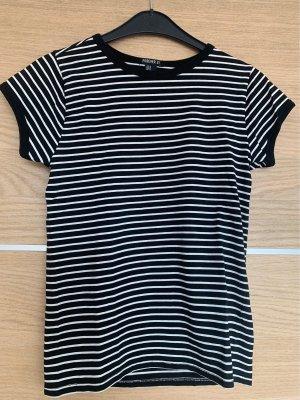 Gesteiftes T-Shirt