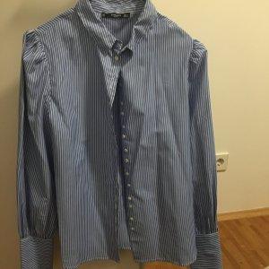 Gestreifte Hemd-Bluse von Mango mit schönen Details