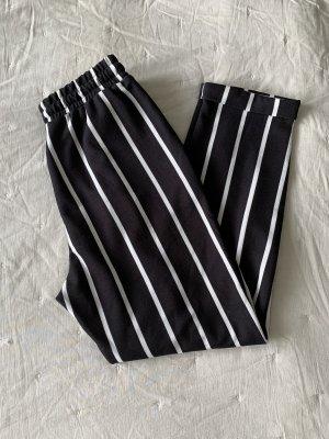 SheIn Pantalon capri noir-blanc