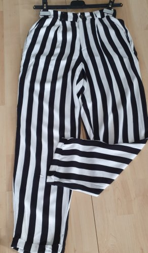 Pull & Bear Pantalón tipo suéter blanco-negro