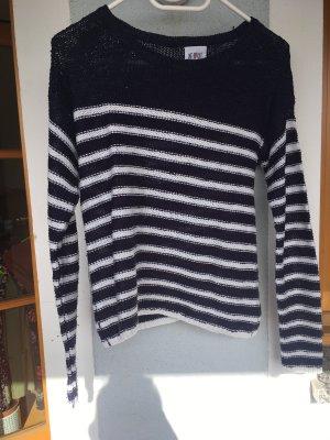 Gestreifter dünner Pullover
