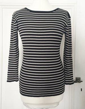 Gestreifter leichter Pullover mit cremeweißen und schwarzen Streifen von Turnover