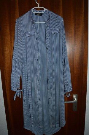 Blusa de cuello alto azul oscuro-blanco