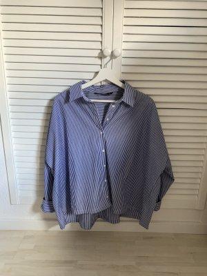 Gestreiftes Hemd