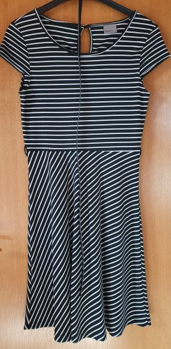 Vero Moda Midi Dress black-white
