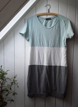 Gestreiftes Kleid von Styleboom