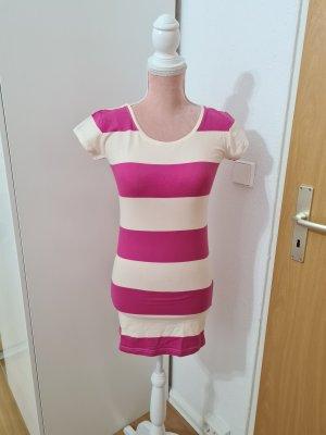 gestreiftes, kurzes Kleid