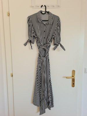 gestreiftes Midi-Kleid