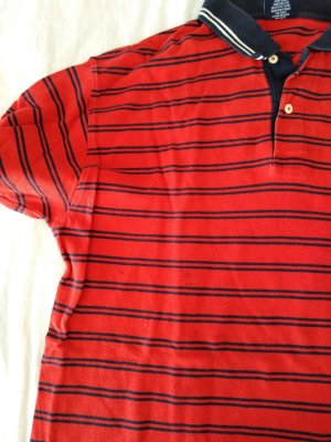 gestreiftes Polo Shirt