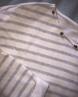 Gestreiftes Sweatshirt mit Pailletten