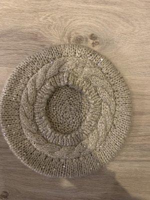 Gestrickter Mütze mit Pailletten