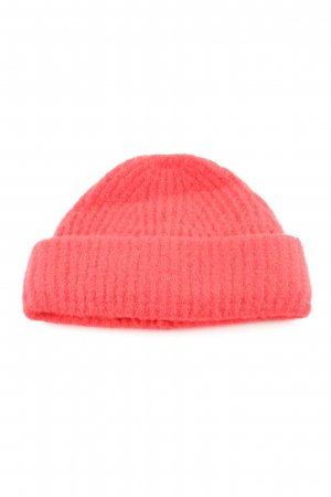 Gestuz Beanie red cable stitch casual look
