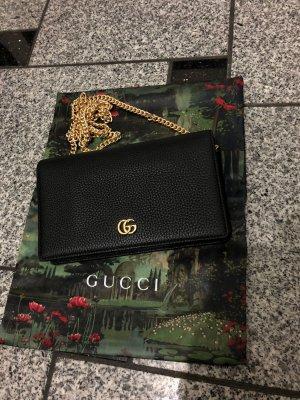 GG Gucci Marmont Mini-Tasche aus Leder mit Kette