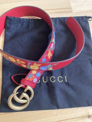 Gucci Cinturón de cuero rojo