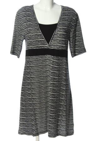 Gina Benotti Strickkleid schwarz-weiß Streifenmuster Casual-Look