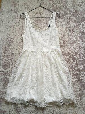 Gina Tricot Kleid weiß spitze M 38