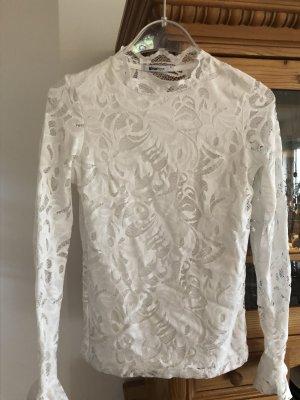 Gina Tricot- Langarm Shirt in Spitzenoptik
