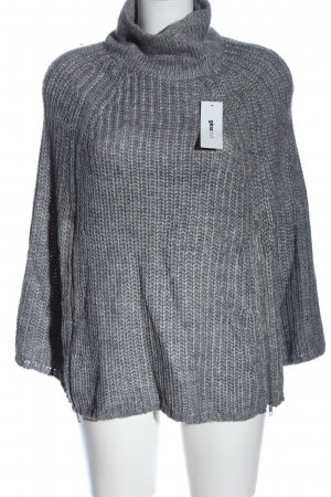 Gina Tricot Poncho hellgrau Zopfmuster Casual-Look