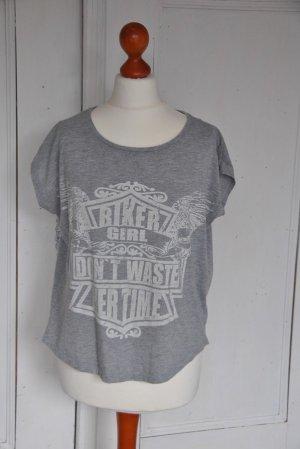 Gina Tricot T-Shirt Shirt Biker grau weiß 34 36
