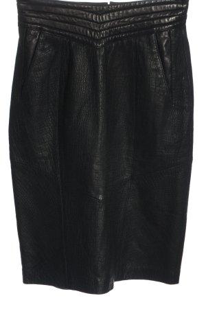Giorgio Mobiani Falda de cuero negro look casual