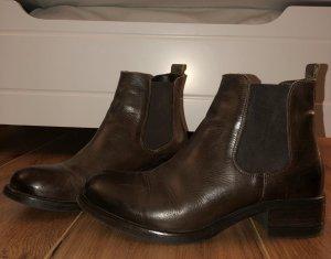 Gioseppo chelsea boots