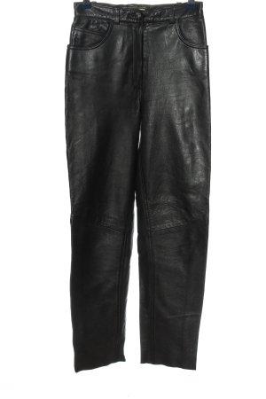 Giovanna Pantalone in pelle nero stile casual